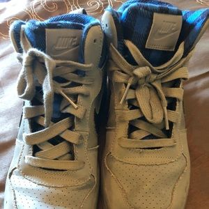 Boys Nike size 6Y